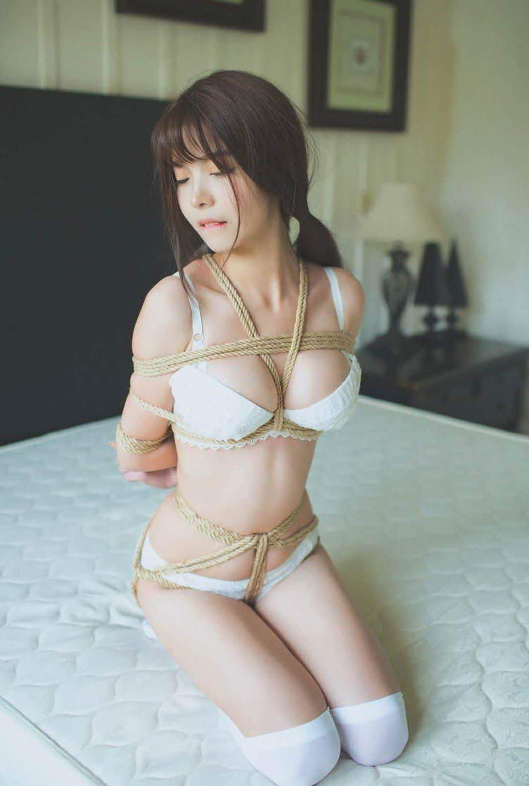 Asian roped girl