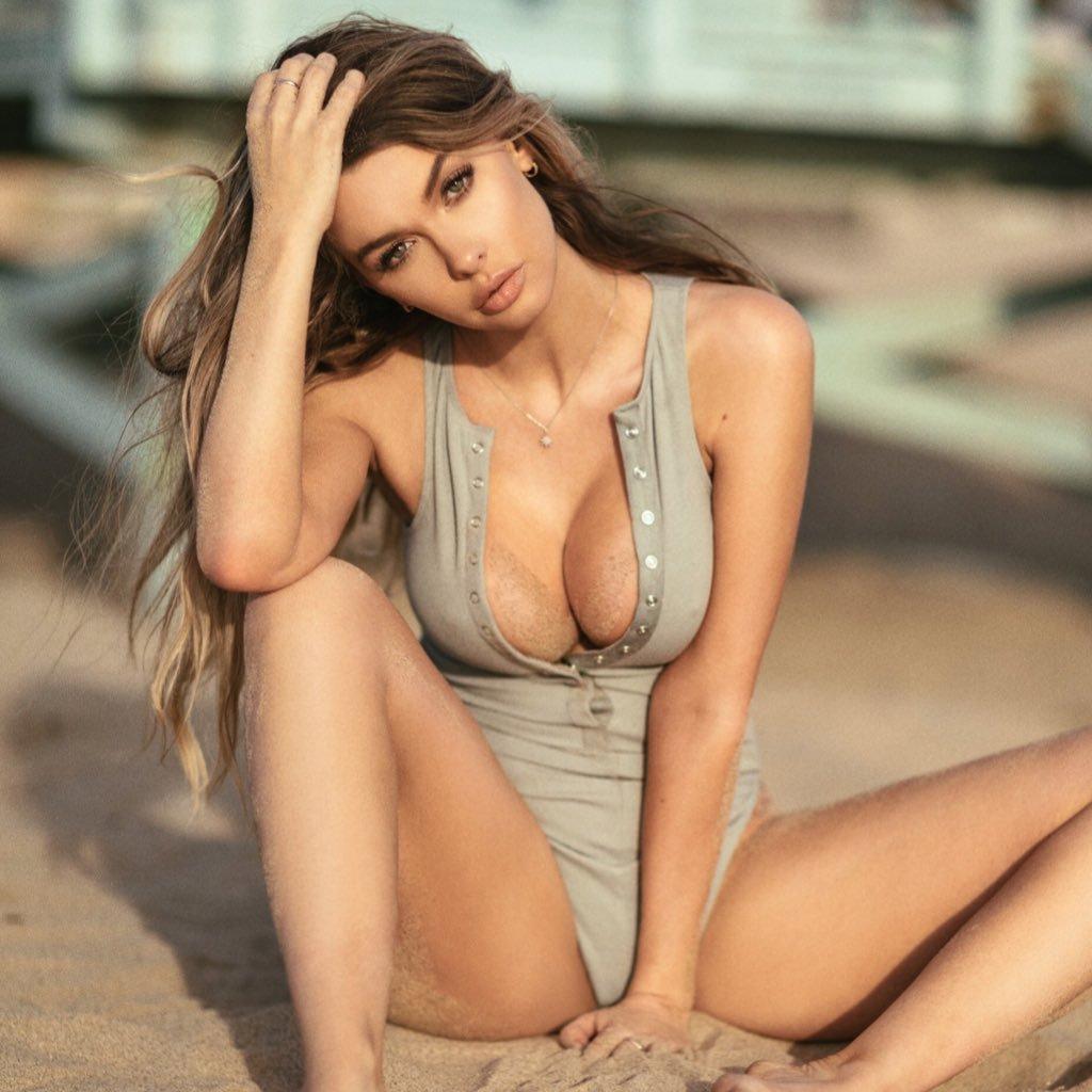 gorgeous beach girl